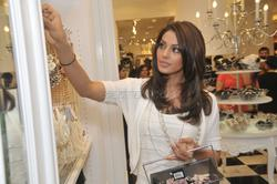 Бипаша Басу, фото 79. Bipasha Basu Forever 21 Flagship Store Launch at Vasant Kunj's Ambience Mall in Mumbai on September 18, 2010, foto 79