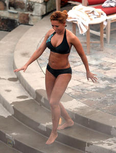 Мелани Браун, фото 13. Melanie Brown Bikini in Park City Utah - January 18, 2011, photo 13