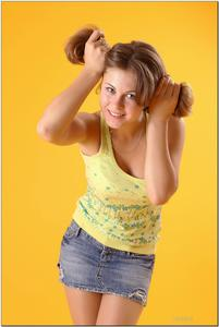 http://img245.imagevenue.com/loc38/th_279240463_tduid300163_sandrinya_model_denimmini_teenmodeling_tv_124_122_38lo.jpg