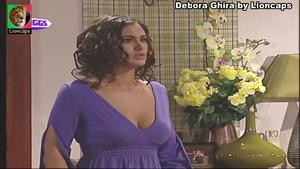 Debora Ghira sensual em vários trabalhos