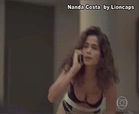Nanda Costa sensual na novela Amor Mãe